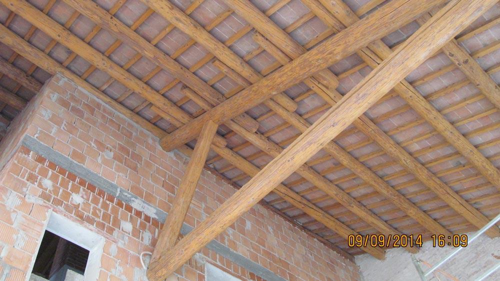 Travi In Legno Per Soffitto : Sabbiatura di travi in legno e soffitto andrea martini